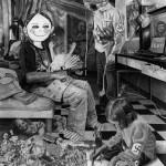 """J. Zonder. """"jeu d'enfants"""". (2011mine-de plomb et fusain sur papier 200x150cm)_"""